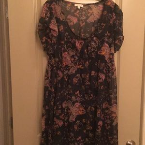 Dresses & Skirts - Navy floral dress